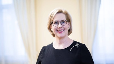 Tuula Haatainen ny arbetsminister i regering med många unga kvinnor