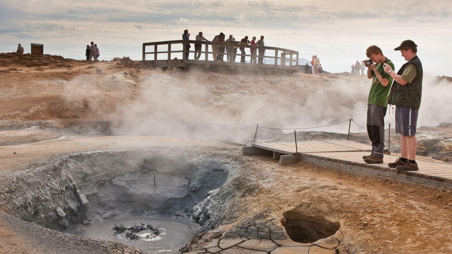 Island öppnar för turismen igen - försiktigt