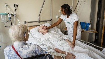 Svenska undersköterskor vill höja status genom legitimation